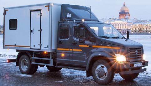 Просторная кабина грузопассажирской модификации «ГАЗона NEXT» вмещает семь человек.