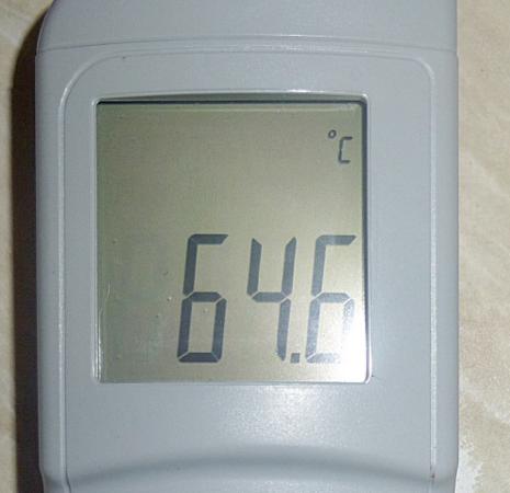 С горячей водой проблемы стали уменьшаться. Данный факт отметил Вадим Соков: жалоб в Госжилинспекцию на температуру горячей воды в этом году стало почти на треть меньше чем в 2015 году.